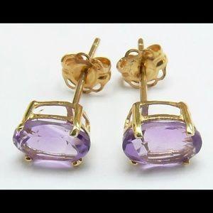 Jewelry - 10k gold earrings